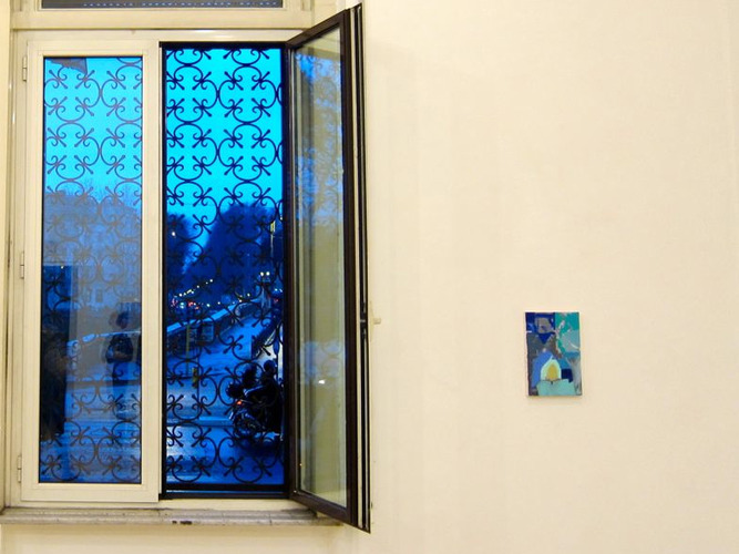 Blue_window_with_blue_painting_web
