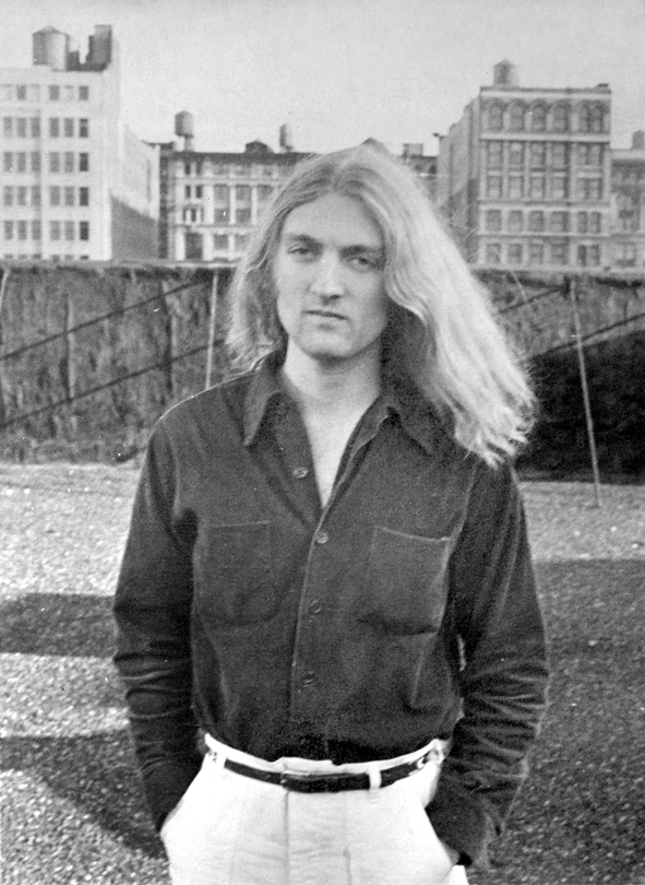 _for_web_4walter_robinson_on_the_roof_of_149_wooster_in_soho_1975_by_artist_peter_grass